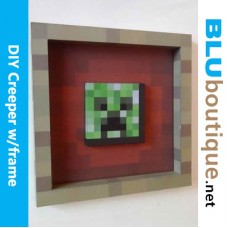 Minecraft Creeper in frame DIY Papercraft
